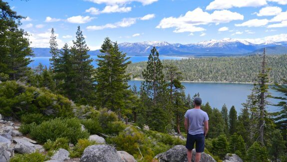 Lac Tahoe nature panorama