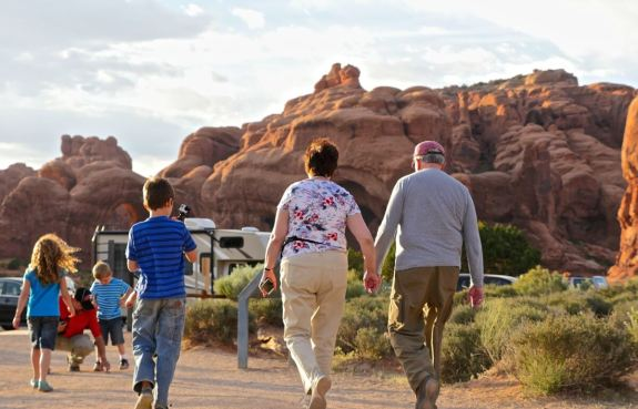 Couple retraités voyageurs