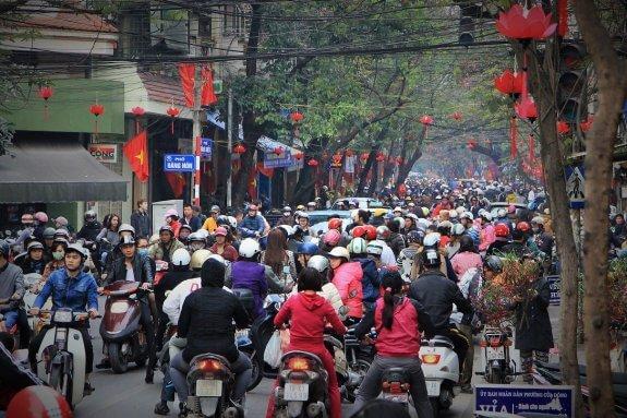 Circulation scooters Hanoï