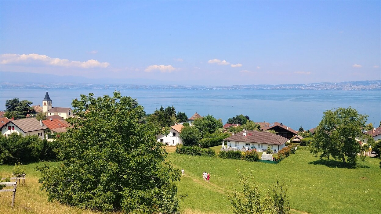 Neuvecelle Panorama Lac