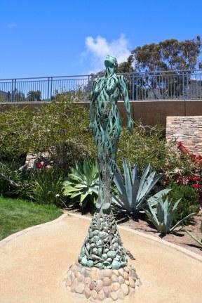 treasure island park statue
