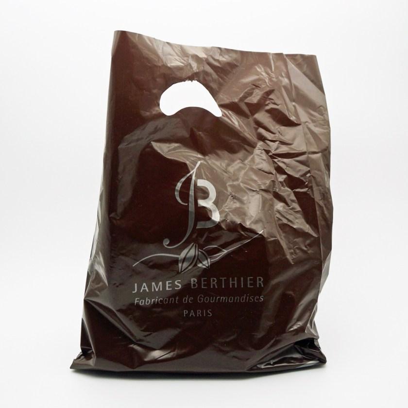 camélia par sucré cacao
