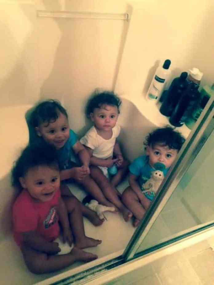 Quatre bébés