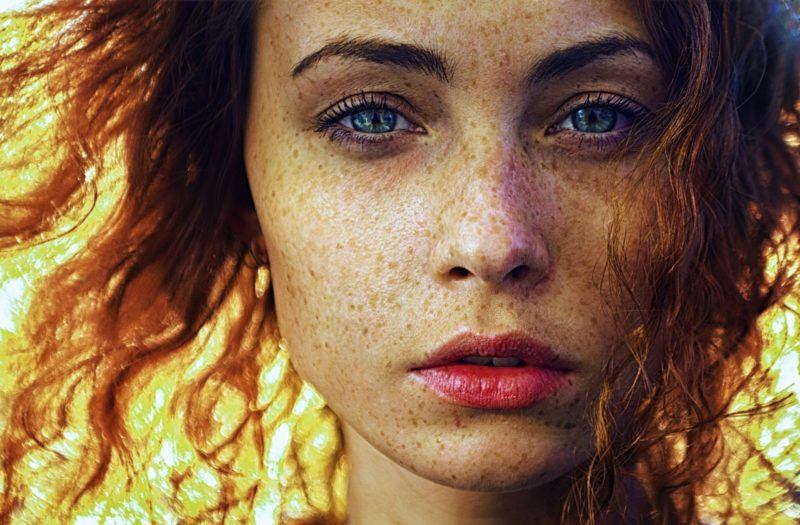 BREAKING–New Discovery Discovers Why Redheads Don't Blink