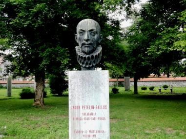 Jacobus Gallus (1550–1591), composer (presumed born in Ribnica).