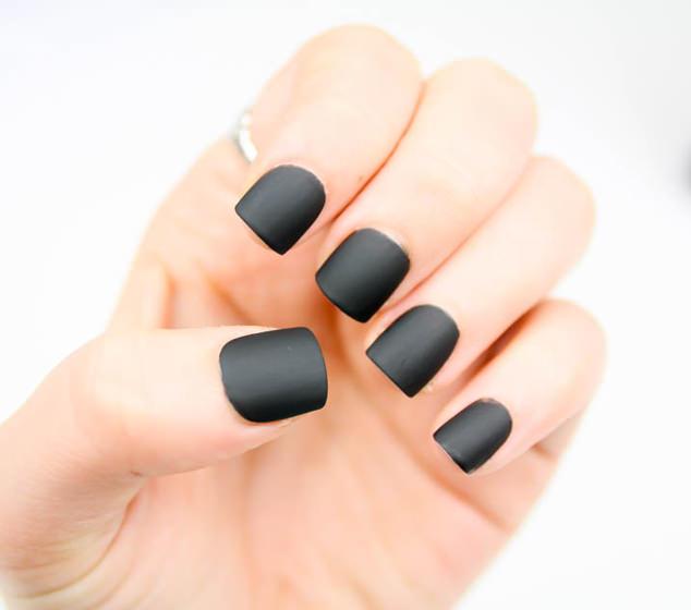 Matte Black Nails - OPI Matte Top Coat - Strikeapose