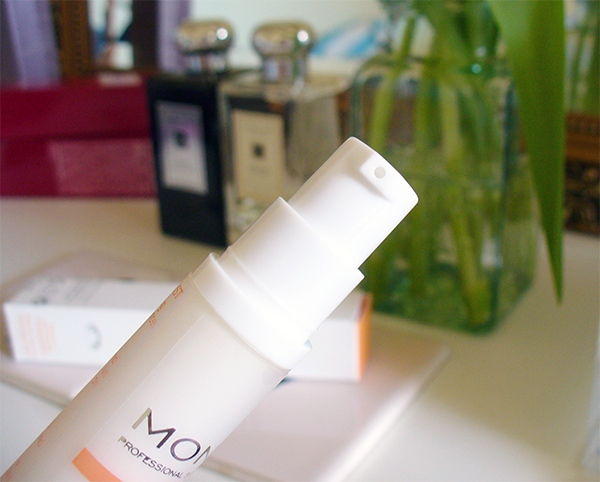 MONU Vitamin C Skin Brightening Serum