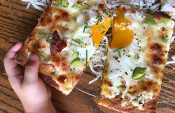 Egg & Bacon Breakfast Pizza