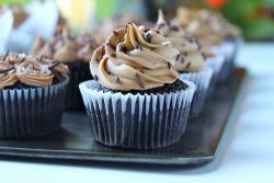 Dark Chocolate Cupcakes Almond Chocolate Buttercream Frosting Recipe