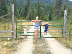 woodland walks and exploring America #littleloves Family vacation