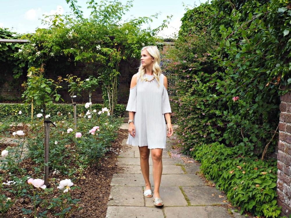 Versatile Off the Shoulder Dresses for travel