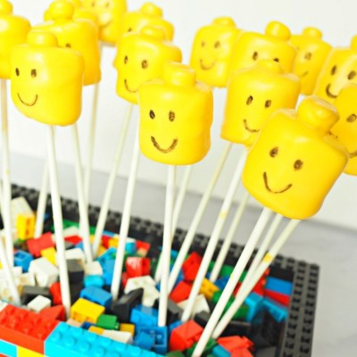 Lego Marshmallow Pops For A Kid's Birthday Party