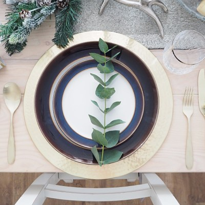 Setting a Christmas Tablescape