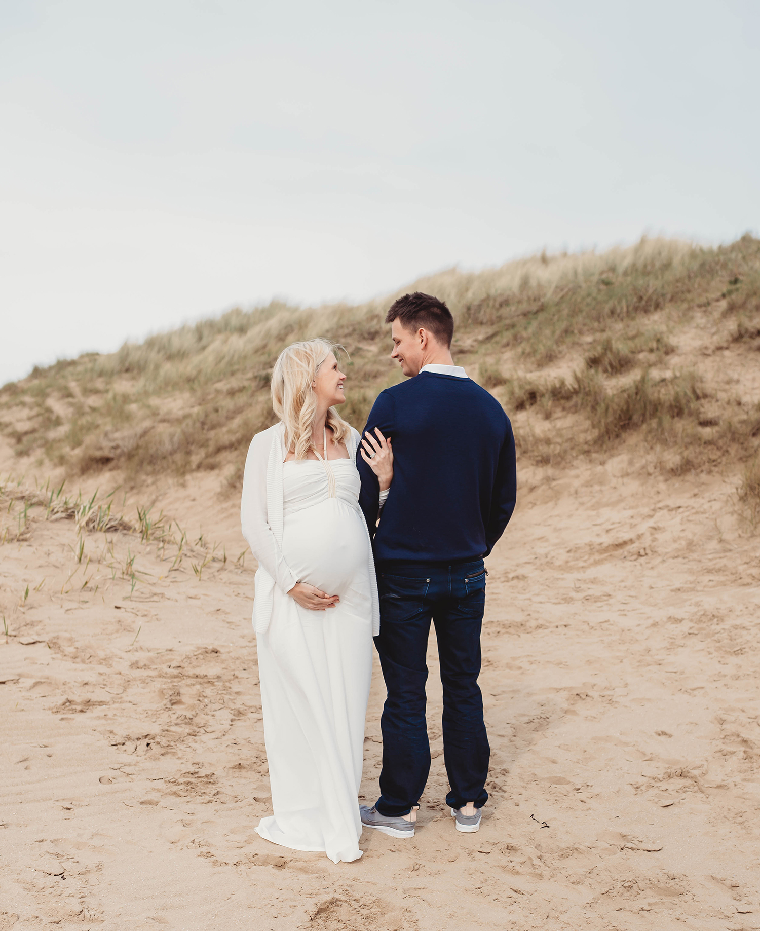 Maternity Photoshoot on the beach third pregnancy 32 weeks pregnant Robyn Swain Photography