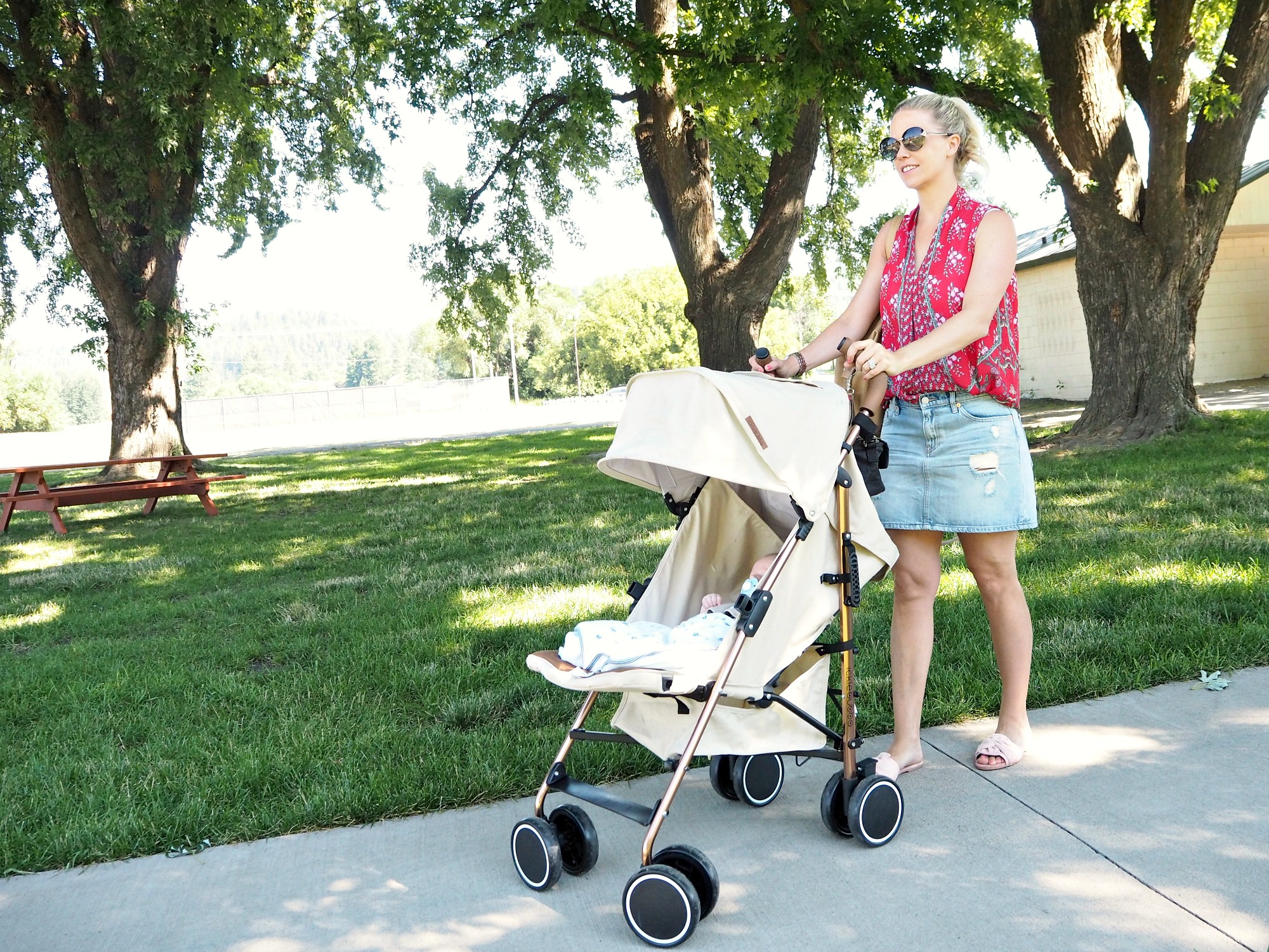 Ickle Bubba Discovery Stroller review travel stroller