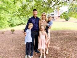 My family of five in April Family photos portraits family travel Altanta Georgia oak Manor weddings
