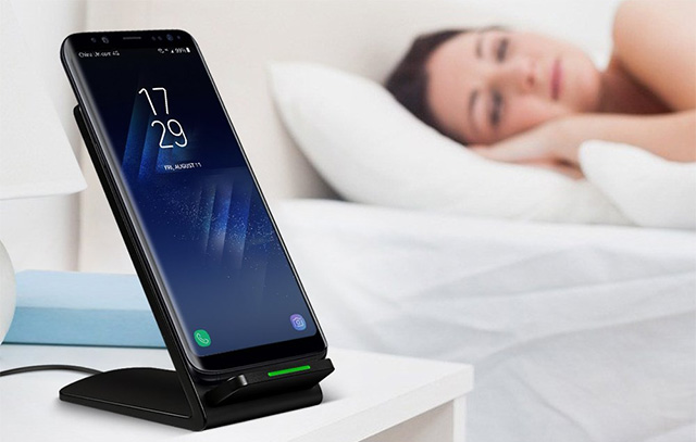 RISETECH Qi Fast Wireless Charging Pad for Galaxy S8