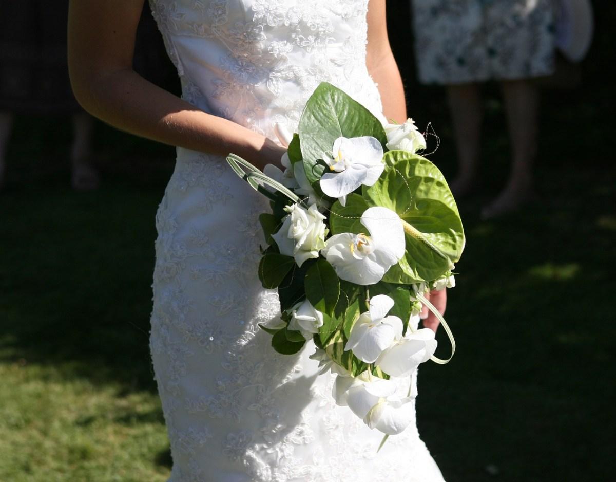 Proste suknie ślubne