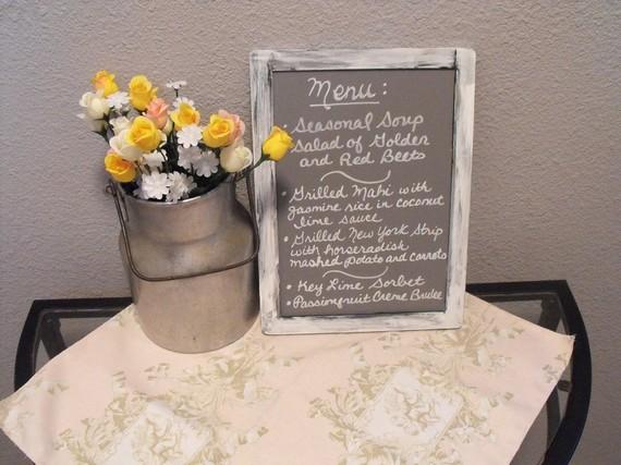 tablica z menu weselnym