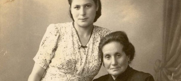 photo of Feyga Hopen and one of her daughters