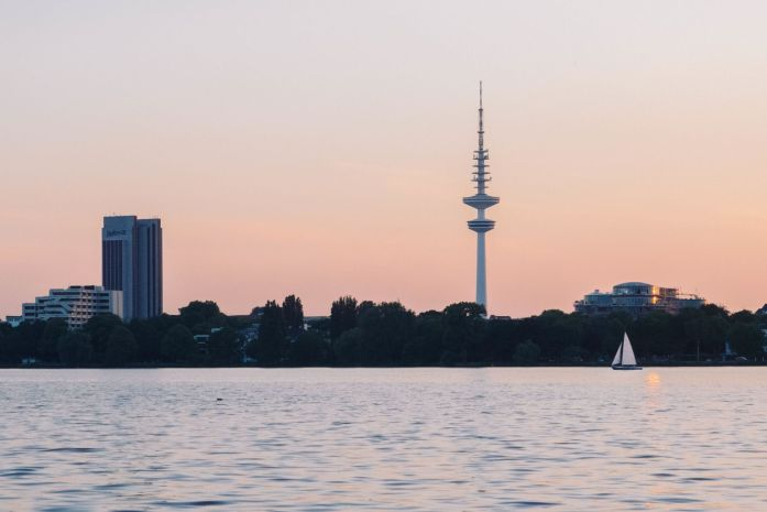 Everything you need to know when visiting Hamburg - Lake Alster
