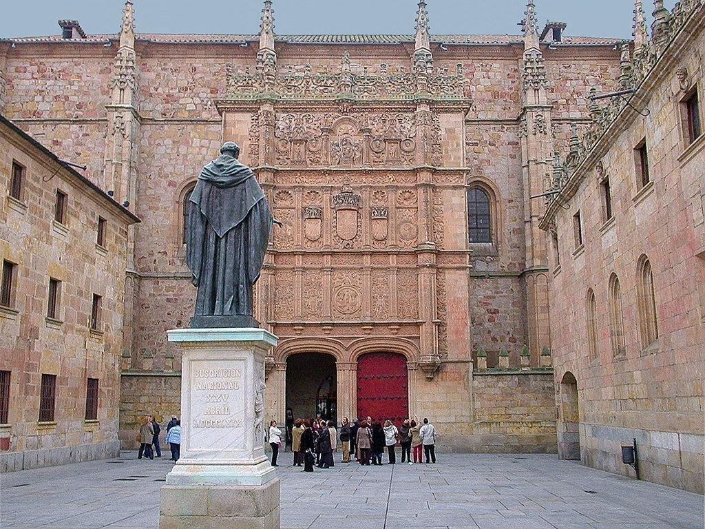 Università di Salamanca nella quale migliaia di studenti ancora oggi convergono per studiare la lingua e la cultura spagnola