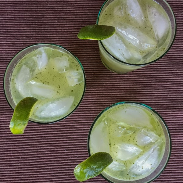 Refreshing cocktail with lime juice, fresh mint, 100% agave tequila, and sparkling water. #tequila #mojitos #cocktails