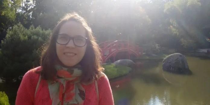 Alicia effectue un stage dans une association féministe en Espagne.