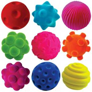 Baby verjaardag: cadeau ideeën voor kinderen van 1 jaar - rubbabu rubberen bal