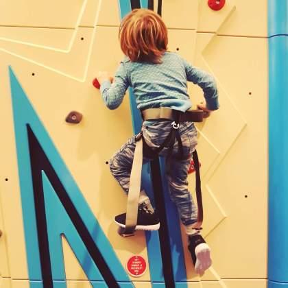 uitje: klimhal met jonge kids clib 'n climb amsterdam noord