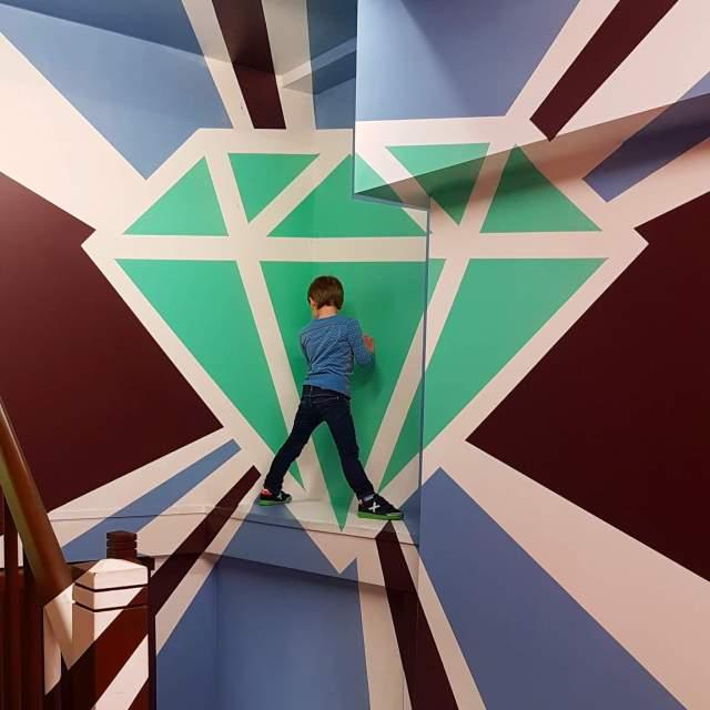 diamant in Museum of Amsterdam Illusions