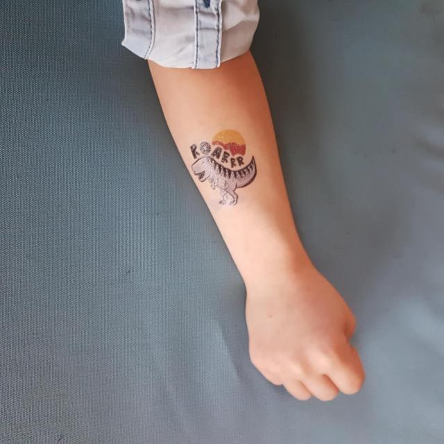 Dinosaurus traktatie voor op school: met hartig koekje en tattoo