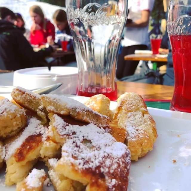 Schladming-Dachstein: wintersport met kids in Oostenrijk - lunchen in de Seiterhutte