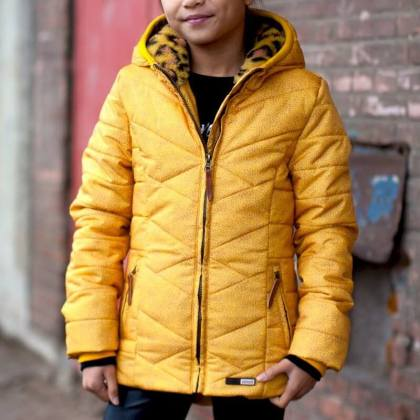 De leukste winterjassen voor meisjes en jongens + hier let je op - meisjesjas van Moodstreet van gerecycled polyester