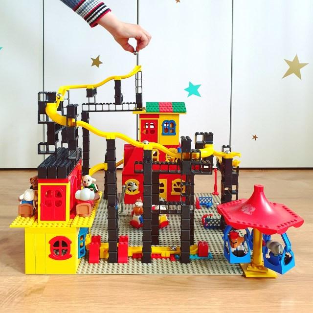 Hubelino Pi knikkerbaan in combinatie met LEGO Fabuland