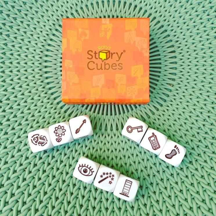 story cubes: dobbelstenen om een verhaal mee te maken