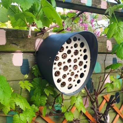 Capi Europe design bijenhotel of vogelhuisje
