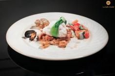Pavé de Lotte et Noix de Saint-Jacques, soupe de moules au Safran, Légumes croquants Photo @abc-Imagique