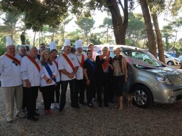 Les Disciples d'Escoffier Var-Alpes offrent une voiture au centre Les Lauriers Roses