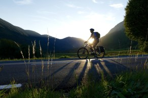 Vélos électriques, une aide indispensable dans les côtes des itinéraires vallonnés.