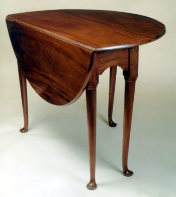Small Queen Anne Drop Leaf Table