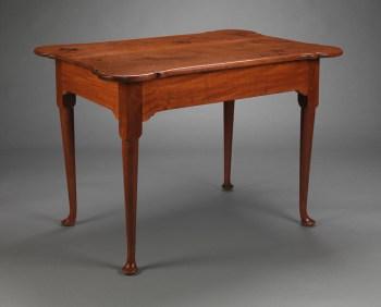 QUEEN ANNE PORRINGER TOP TEA TABLE New England