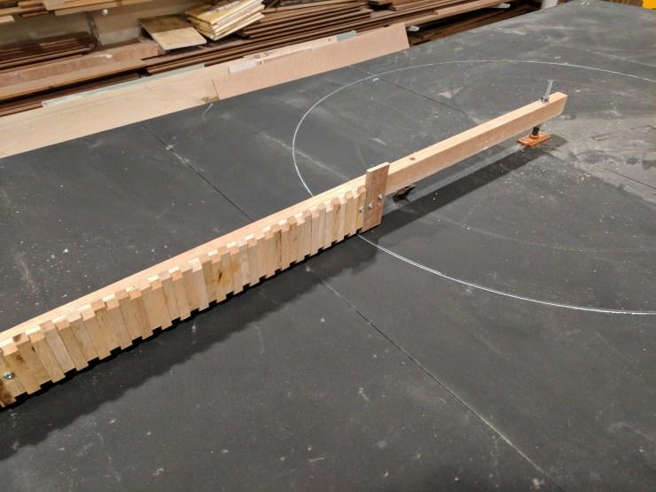 Pivoting comb