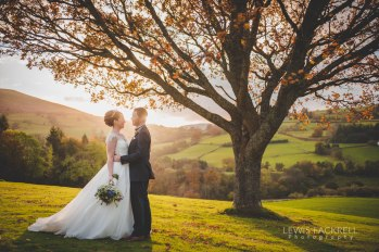 Cardiff-Wedding-Photographer-Buckland-Hall-Coed-y-Mwstwr-Canada-Lodge-Wedding-Abroad-Destination-Italy-France-South-Wales0Wedding-Photographer-Lewis-Fackrell-Photography-4