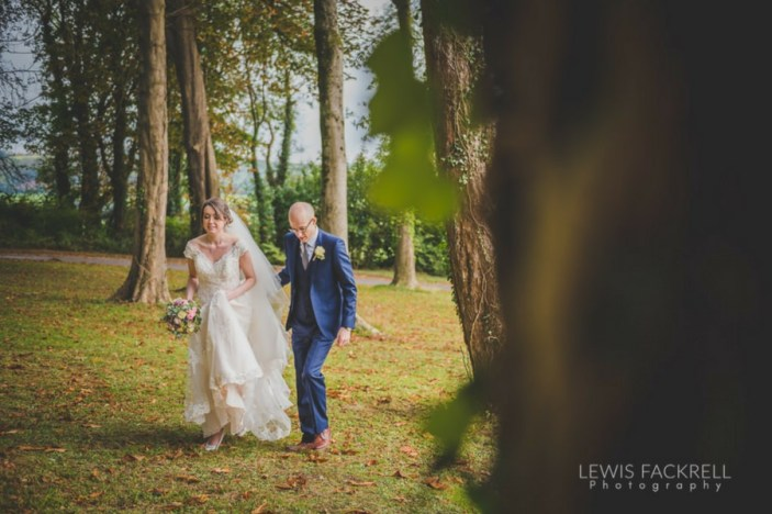 Coed-y-mwstwr-hotel-cardiff-Autumn-wedding-October-Hannah-Jack-wedding-photographer-south-wales-lewis-fackrell-photography-11