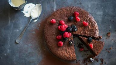rich-flourless-hazelnut-chocolate-cake