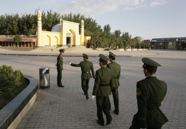 Cache-cache a Kashgar, via LExpress/Reuters