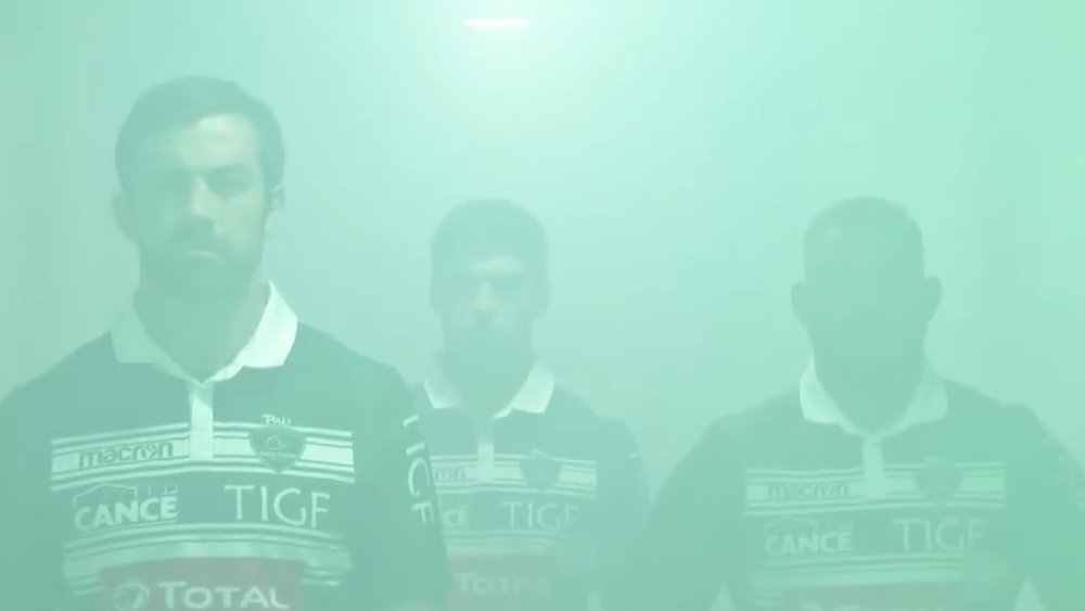 section paloise maillot collector rugby insolite top 14 inauguration buzz bagarre