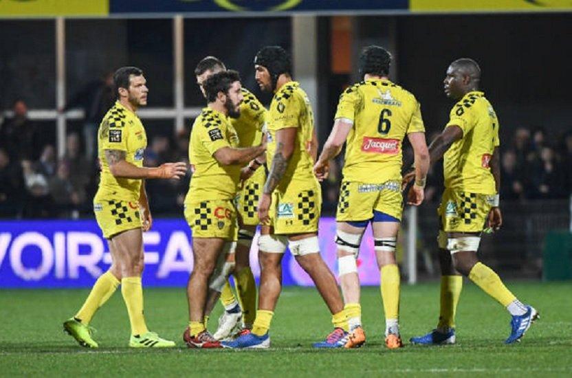 clermont opposition entre les joueurs devant 6000 personnes rugby france xv de départ 15