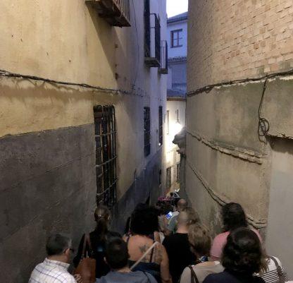 Una visita guiada nocturna en el Callejón del Toro, por RutasdeToledo.es